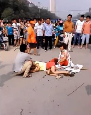 河北一县刑警队干部家属殴打债主并向其嘴里抹粪